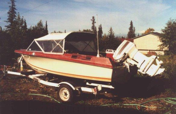 boat2.jpg (46631 bytes)